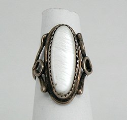 Vintage Native American Pawn Mother of Pearl Ring