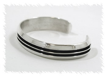 Double Carinated Navajo Sterling Silver Cuff Bracelet by Tom Hawk