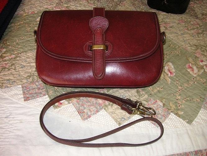 09ecc1b45e3f Vintage Bridle Leather Dooney   Bourke Equestrian Bag