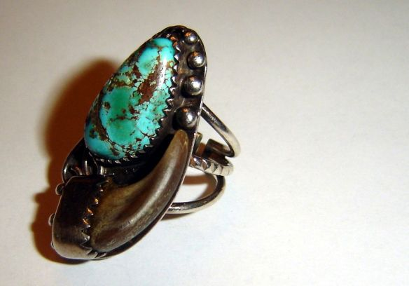 Wolf Claw Turquoise
