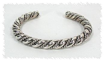 five sixteenths classic twist bracelet