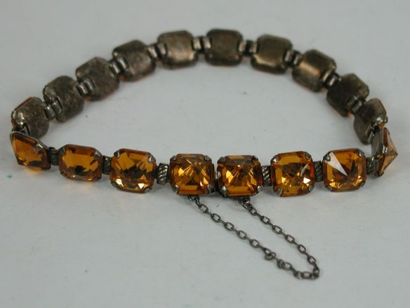 Vintage Topaz link bracelet with hidden latch