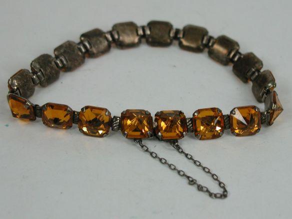 Vintage Topaz link bracelet with hidden latch