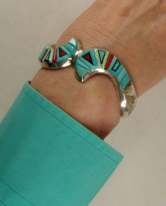 Tadpole bracelet fit